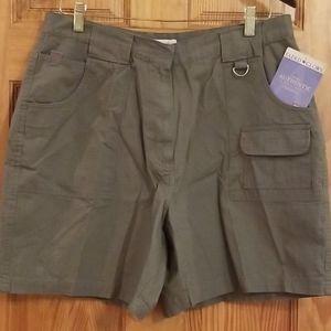 NWT 6 Pocket Faded Glory Khaki Cargo Shorts